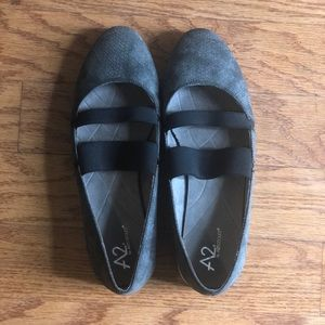 A2 by Aerosoles Grey Loafers Size 9